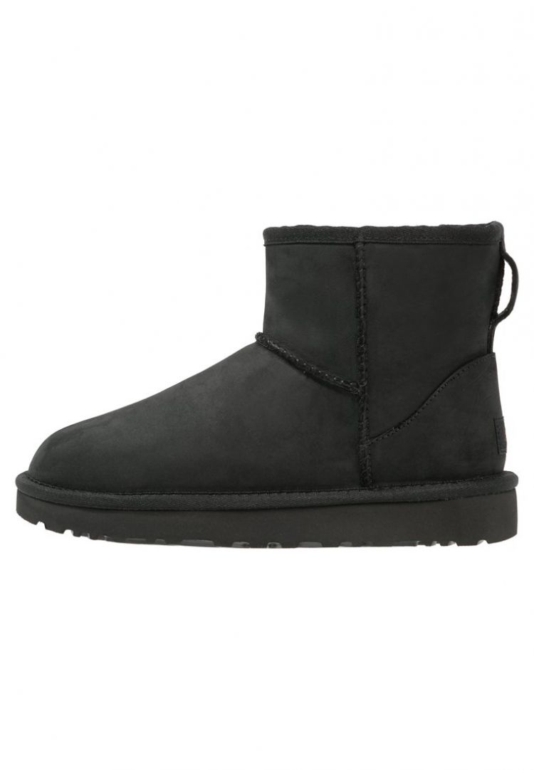 PRODUCT_IMAGE UGG CLASSIC MINI Snowboots black