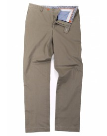 Suitable Chino Ferez Safari Green