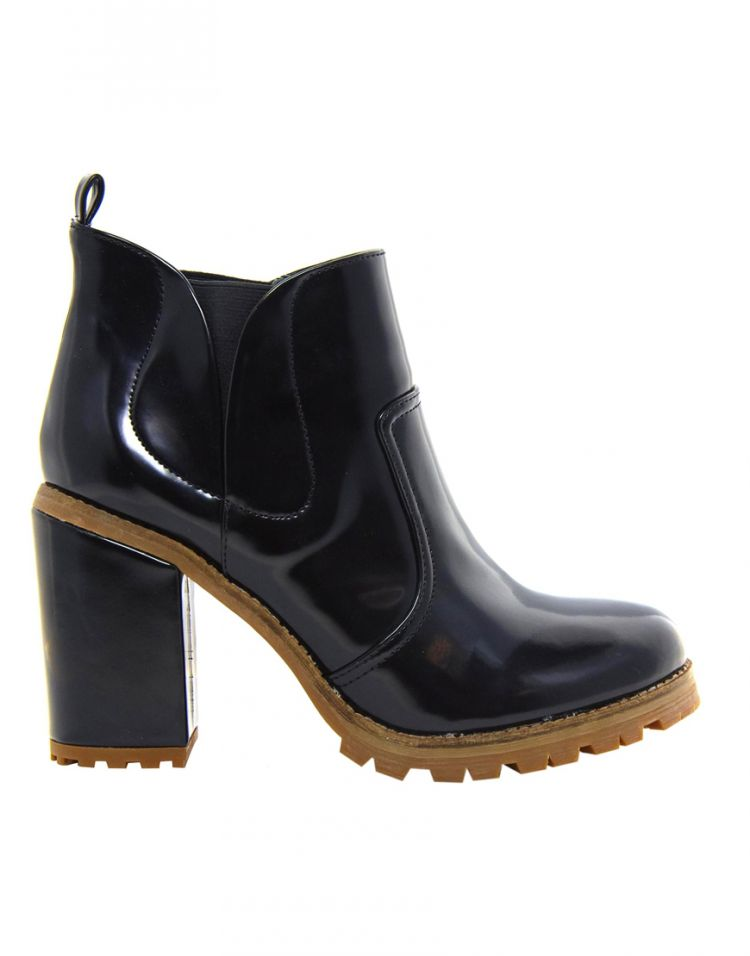 PRODUCT_IMAGE ASOS ARTICLE Chelsea Ankle Boots
