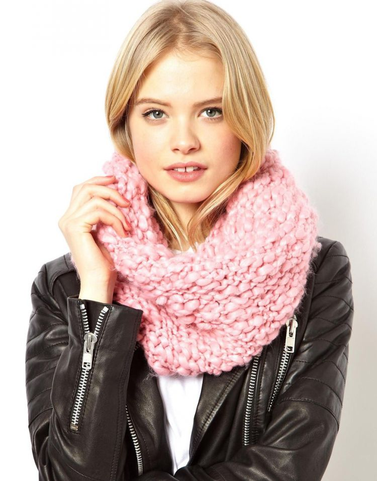 PRODUCT_IMAGE ASOS Chunky Hand Knitted Snood